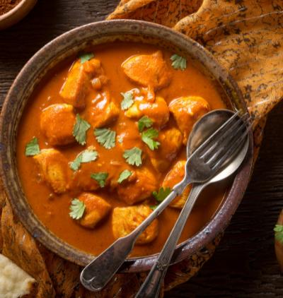 Curry Gericht auf dem Teller